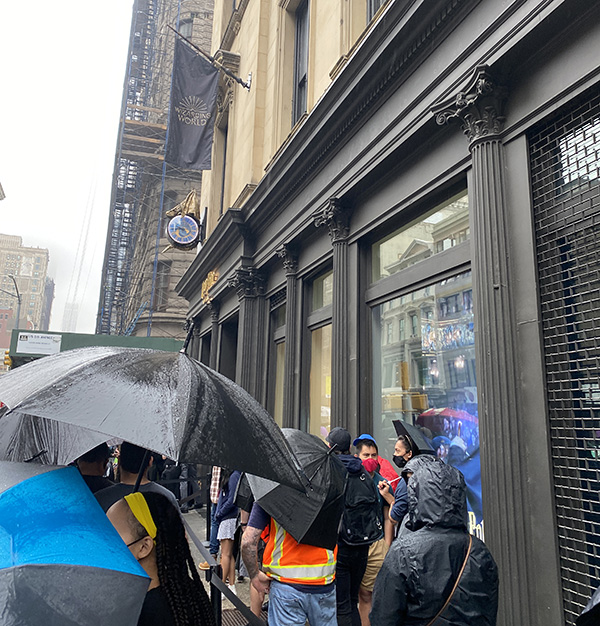 Queue outside the Harry Potter New York Store